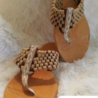 Tipicos zapatos mexicanos artesanales.